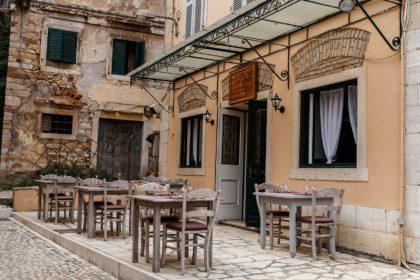 Mobiliář pro restaurace a hotely